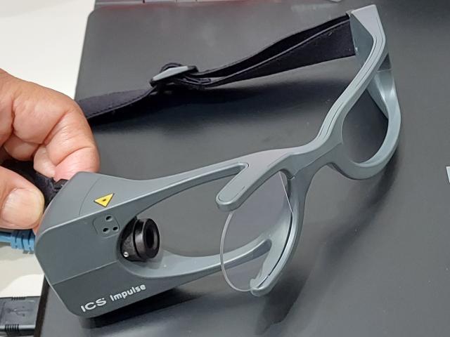 眼球運動検査装置
